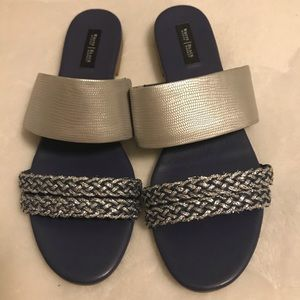 WHBM - flat sandal - excellent condition